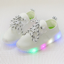 2017 New fashion high quality LED lighting children glowing sneakers sports running baby girls boys shoes footwear kids shoes(China)