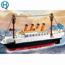 Building Blocks Model Steamship Titanic Huge Blocks Educational DIY Brick Toys for Children Gifts Home Decoration 194pcs B0576