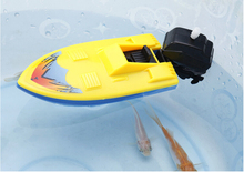 1 PC Wind Up Swimming Motorboat Plastic Boat Toy Summer Outdoor Pool Ship Toy For Kid random color
