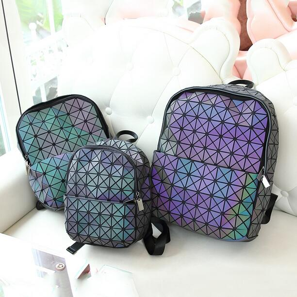 Maelove Luminous Backpack Diamond Lattice Bag Travel Geometric Women Fashion Bag Teenage Girl School Noctilucent Backpack 3 Size<br>