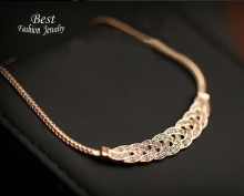 High Quality Acrylic Romantic Choker Chain Necklace New Design Spiral Costume Jewelry Female Fashion Accessory