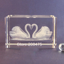 free shipping love couples kissing swan crystal wedding gifts centerpiece(China)