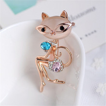 Super Elegant Noble Lady Cat Opal Crystal Brooch High Quality Collar Pin Personality Clothing Accessories