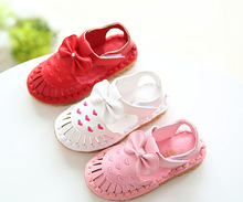 new spring/summer 2016 Girls sandals The princess shoes hollow out shoes Children's beach shoes embroidered baby shoes