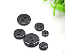 Scrapbook Scrapbooking Sewing Accessories Products Black Bread Resin Buttons For Baby Clothing Pad2-holes Button Wholesale