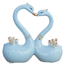Home Furnishing decoration for modern creative gold lovers Little Swan wedding gifts crafts statue a pair of swan(China)