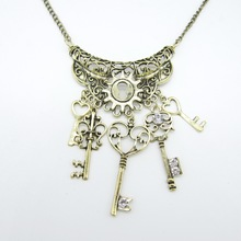 Vintage Styles Brass ox Nice Pattern Alloy Metal Part with Multi Key Pendants Steampunk Necklace(China)