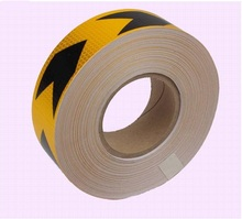 5cm*50M orange reflective pvc arrow mark warning tape self-adhesive reflective safety sign road traffic guidepost adhesive film(China)