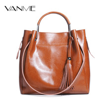 Retro Patent Leather bucket Handbags Classic Tote Bag Ladies Large Capacity Tassels Handbag Bolsos Feminina Vintage Shoulder Bag