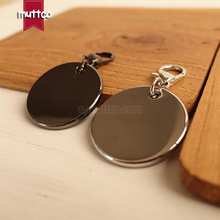 10pcs/lot wholesale good quality metal round cat dog id tag blank engrave pet name 2 kinds cat ID tag smooth surface Dog ID tag(China)