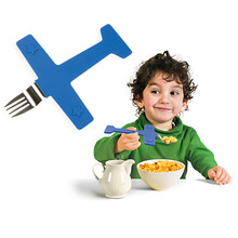 Free Shipping 2Piece/Set Airplane Fork Creative Children's Dinnerware Set Novelty Gift For Kids(China)