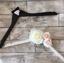 set of 2 Personalized wedding flower Bride & Groom dress wire hangers with names Bridal shower Mr Mrs Hanger party gifts favors(China)
