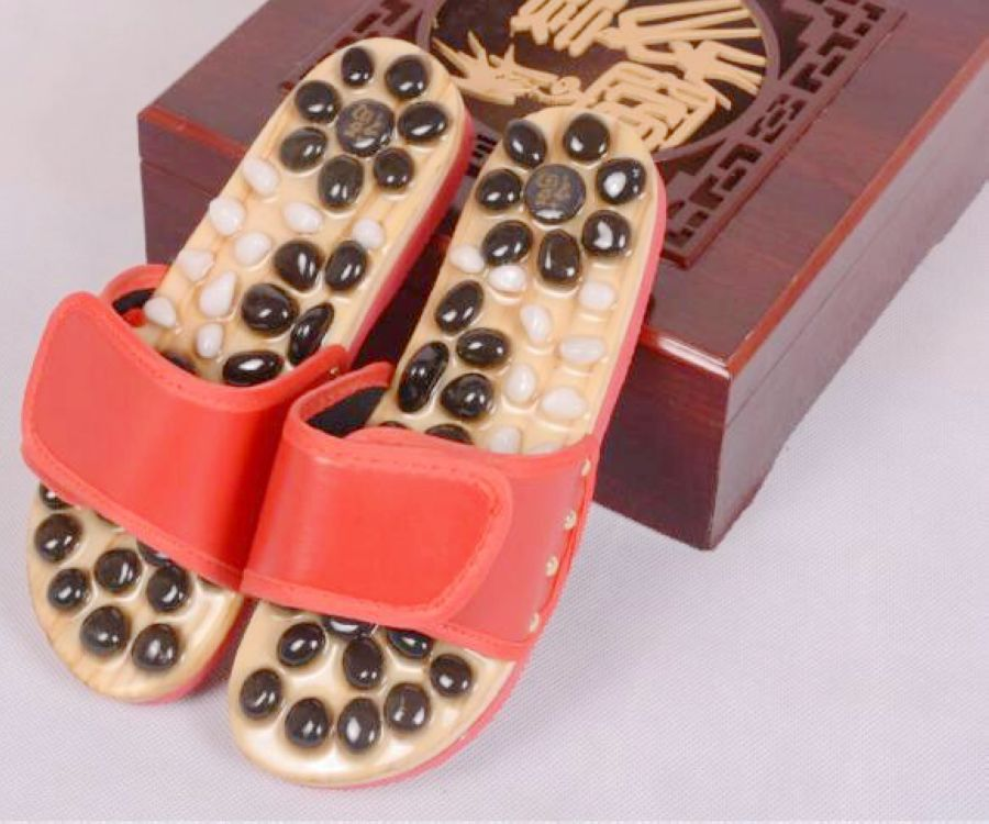 Home shoes protect Goose egg stone massage acupuncture care foot massage shoes / male female summer sandals and slippers<br>