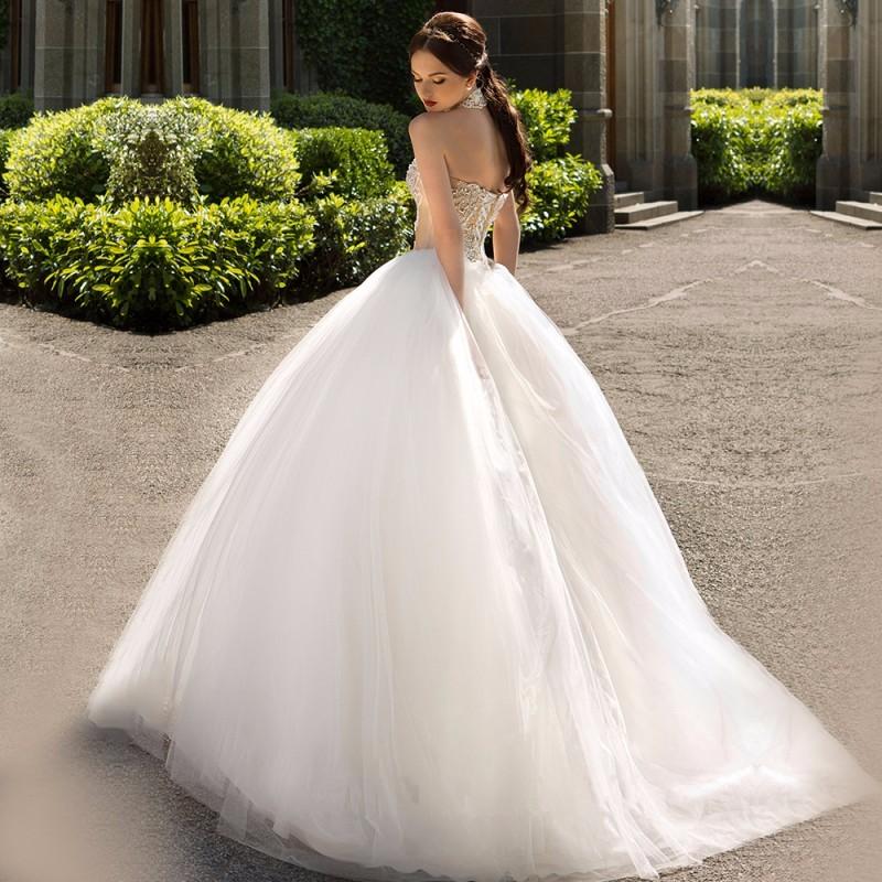Fashionable-Ball-Gown-Wedding-Dress-2016-Vintage-Vestido-De-Noiva-Sexy-Off-the-Shoulder-Halter-Neck (1)