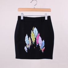 Discount sale women summer pencil skirts American & European fashion novelty feather print girls casual slim faldas drop ship