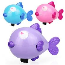 Wind Up Water Toy Kiss Fish Swim Toys Baby Educational Clockwork Wind Up Plastic Swimming Toy YH986(China)