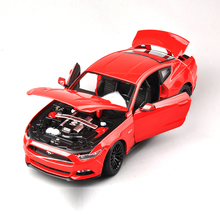 Collection 1/18 Scale Ford Mustang 2015 Cars Model Alloy Diecast Car Model Red Black With Openable Doors Toys Gifts(China)