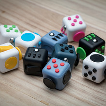 Mini Fidget Cube Toy Vinyl Desk Finger Toys Squeeze Fun Stress Reliever 3.3cm High Quality Antistress Cubo NO Rope AD43