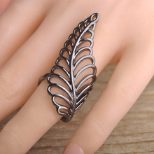 Blucome Brand Hollow Flower Leaf Shaped Rings Black Gun Plated Long Rings Retro Vintage Leaf Ring For Women Boho Finger Jewelry