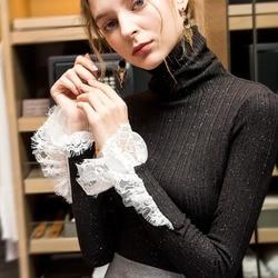 Женская трикотажная водолазка с расклешёнными рукавами