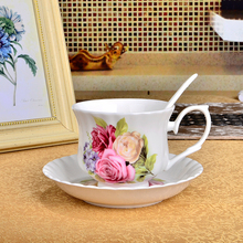 Free shipping Authentic English Bone China Coffee Cup Creative Ceramic Tea Cups And Saucers Parure Send Spoon(China)