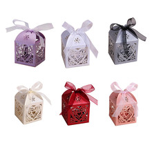 50pcs/Pack Love Heart Laser Cut Paper Candy Gift Box Wedding Parties Favors Decorations With Ribbon Wedding Party Favors
