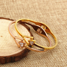 Triangle drill Crystal arrows Shape bracelets&bangles for women men,  gold color fashion bangle jewellery shop hot sale