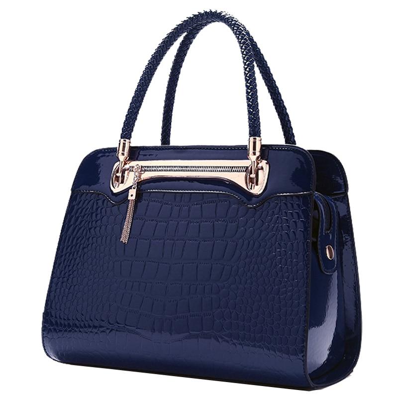 2016 Autumn and Winter Womens Handbag For Crocodile Elegance Tote Bag Fashion Travel Hand Made Bag<br><br>Aliexpress