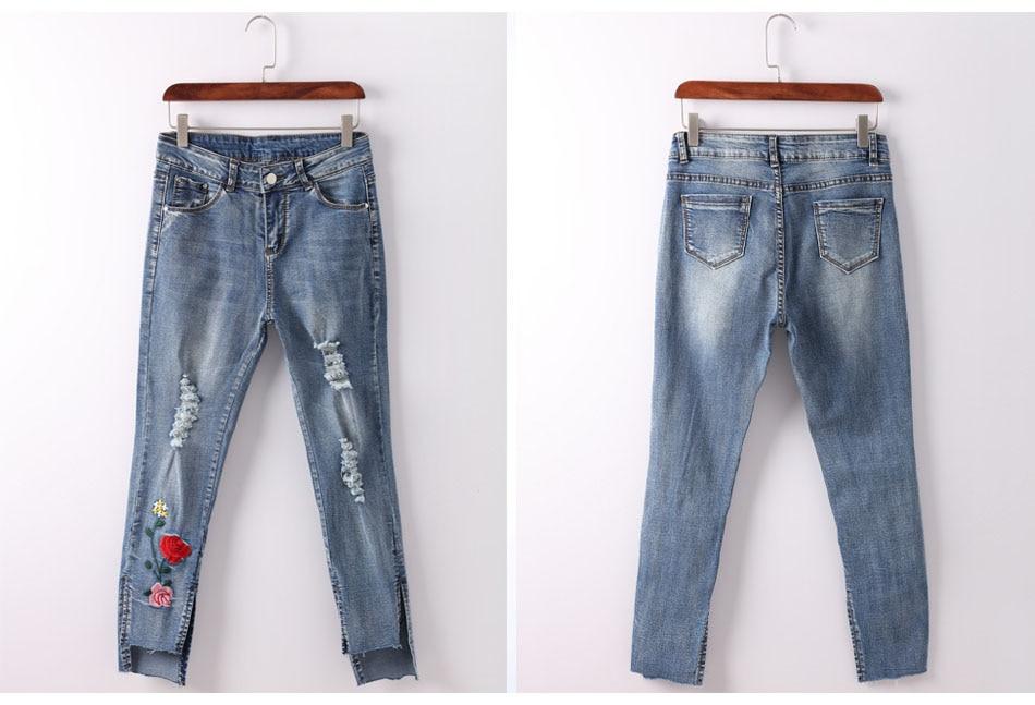 Denim jeans delle donne più il formato sottile femminile del ricamo