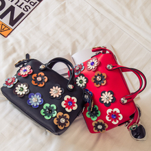 2016 3d Flower Purse Crossbody Ladies Tote Bags Boston Bags Women Red Fashion Designer Style Beaded Rivet Clutch Classy Handbags