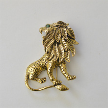 MZC Vintage Gold Lion Brooch Men Suit Harajuku Broches Lapel Hijab Pins Broach Cheap Male Jewelry Acccessories X1673
