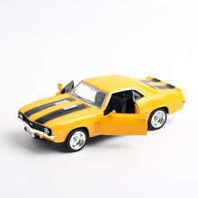 UNI-FORTUNE Brand New 1/36 Scale USA 1969 Chevrolet Camaro SS Vintage Diecast Metal Car Model Toy For Collection/Gift/Kids
