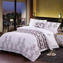 New Stripes And Lattice Bedding Sets 4 unids Bedding Set Soft Comforter Bedding Set Simple And Fashion Twin Home Textiles