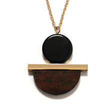 2017 fashion women New Jewelry wholesale Geometric circular resin semi - circular wood combination pendant long wood necklace