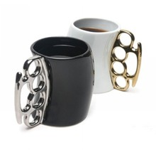 New Creative Fist Cup 4 Colors Knuckles Mug Ceramic Coffee Mug Personality Porcelain Cup Novelty Gifts 1pc(China)