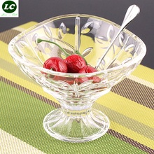 glass bowl cup Cold salad bowl of ice cream glass creative snacks leisure time