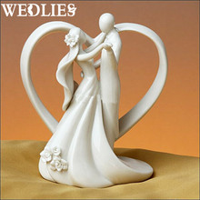 Ceramic Dancing Bride & Groom Figurine Craft Love Heart Couple Doll Wedding Cake Topper Wedding Party Events Table Decoration