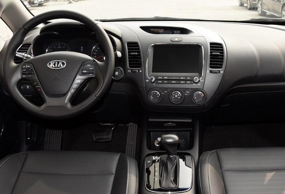 Kia-Forte-2015-interior-1-s