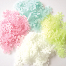 50Pcs Christmas Snowflake Wall Stickers Glow In The Dark Baby Kids Bedroom Home Decor  Luminous Fluorescent Wall Stickers Decal