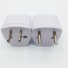 1Pcs Universal Travel Power Plug Adapter EU EURO to US USA Adaptor Converter AC Power Plug Adaptor Connector Electrical Plugs