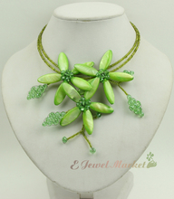 N13090757 green MOP shell crystal flower necklace