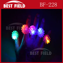 Free shpping 576pcs/lot led finger light LED Flashing Light Up Strawberry Blinking Party Rave Glow Finger Ring Nice