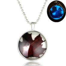 Maple Leaf Picture Glass Cabochon Glow In The Dark Necklaces Pendants Jewelry For Men Women Glowing Necklaces Summer Jewelry
