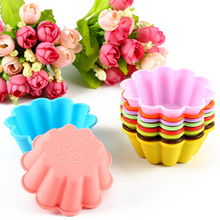 12-Pack  Flower Reusable and Non-stick Silicone Baking Cups / Cupcake Liners/Muffin Cup Molds