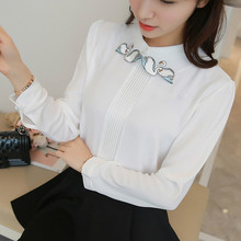 2017 Spring PLus size long sleeve peter pan collar swan embroidery white chiffon shirts women casual loose chiffon blouses tops