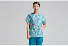 2017 new arrival printed medical clothings printed fabric comfortable medical uniform scrubs set medical scrubs international de(China)