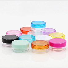 10Pcs Transparent Small Round Bottle 5g Cosmetic Empty Jar Pot Eyeshadow Lip Balm Face Cream Sample Container (Random Color)