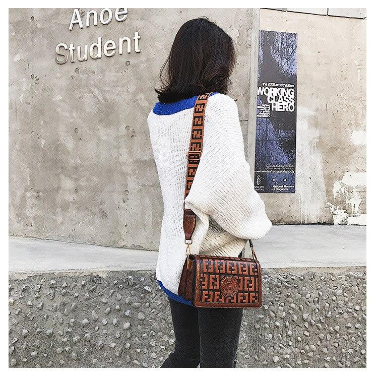 2019 Of The Small Square Fashion Women's vintage Shoulder Bag Shoulder Bag Messenger Bag Mobile Phone Bag Brand original design 13 Online shopping Bangladesh