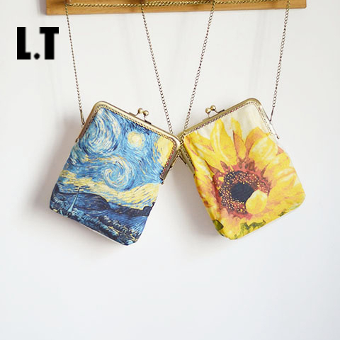 2017 Handmade Female Starry Night Printing Small Frame Shoulder Bags Vintage Retro Vincent van Gogh Artist Chain Crossbody Bags<br><br>Aliexpress