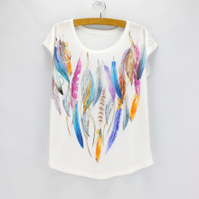 Fashion Colorful Feather printing t shirt women 2016 new American & European Vogue design girls top tees wholesale